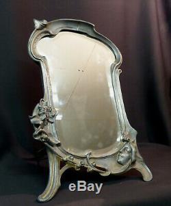 A 1900 art nouveau très beau miroir à poser 45cm glace cadre étain femme fleur