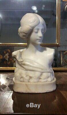 Ancien Buste de femme art nouveau en marbre. Socle en albâtre