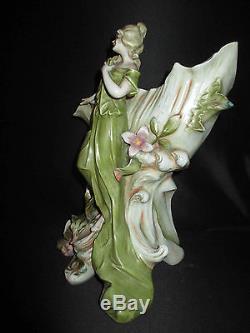 Ancien grand vide poche porcelaine femme au coquillage Art Nouveau fin XIX ème