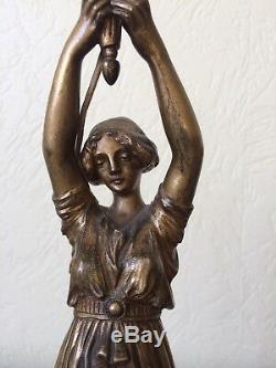 Ancienne lampe femme en bronze 1900 art nouveau Jugendstil signée Lucien ALLIOT