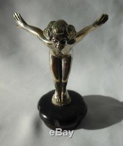Ancienne mascotte automobile bouchon de radiateur art Nouveau bronze femme nue