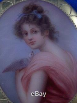 Art Nouveau German Porcelaine Femme Scene Scenic Plaque Broche Porzellan Brosche