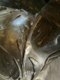 BEAU VASE ART NOUVEAU EN ETAIN signé PETIZ 31 cm DECOR DE FEMMES ET NENUPHARES