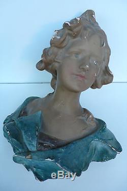 BUSTE EN PLTRE JEUNE FEMME DÉCOR VITRINE MODISTE ANNÉES 1900 Ht 40 cm