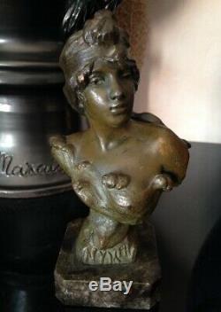 Beau Petit Buste Profil femme Art nouveau Régule signé Villanis Modéle Nymphe