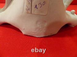 Biscuit femme art nouveau avec polychrome long 20 haut 24 prof 10 cm