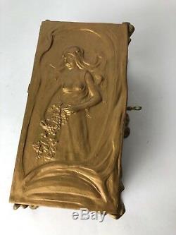 Boite En Regule Art Nouveau Decor De Femme 1900