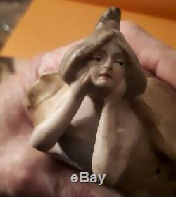 Boite à poudre ancienne érotique en porcelaine époque Art Nouveau Femme/ Tortue
