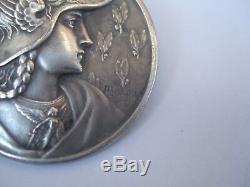 Bouton ancien A Bargas femme casqué art nouveau 3,3 cm french button