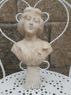 Buste de Femme Art Nouveau En Marbre