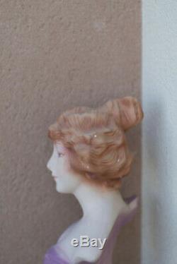 Buste de femme à la fleur en platre art nouveau dans l'esprit de Mucha