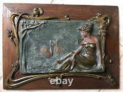Cadre Chêne Bas Relief Art Nouveau 1900s Jeune Femme Au Lac Des Cygnes