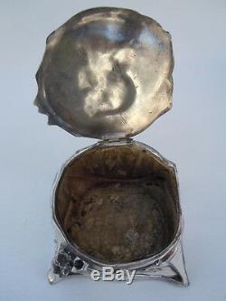 Coffret bijoux métal argenté decor femme coiffée béguin boite époque Art Nouveau