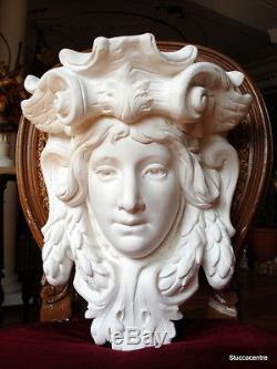 Coincé Magnifique grand art nouveau tête de femme table console COURONNEMENT