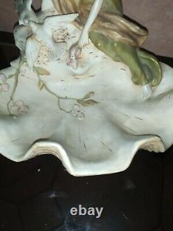 Coupe vide poche ROYAL DUX Porcelaine Bohème Jeune Femme Colombes Art Nouveau