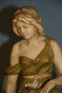 Faience Royal Dux faience Austria art nouveau jeune femme