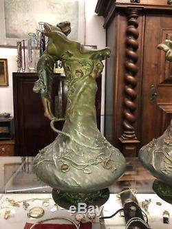 GRISARD Désiré. Art Nouveau Paire De Vases A Decor De Femmes En Regule HT43 Cms