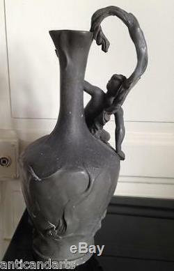 Grand Vase Aiguiére en Etain Art nouveau femme signé A. BARYE 35cm