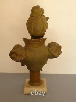 Jeune femme en buste d'époque art nouveau en régule patiné et marbre
