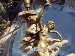 Jolie lampe femme art-nouveau et bois flotté 20 ème