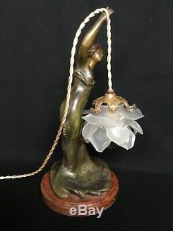 L. GOYEAU Statue Femme ART NOUVEAU Régule Patiné MONTÉE EN LAMPE Tulipe Fleur