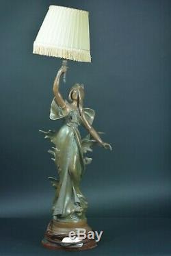 Lampe Art Nouveau Jeune Femme fleur des Vallées 1900 signé Auguste Moreau