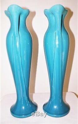 Magnifique Paire de VASES Art Nouveau en forme de robe de femme