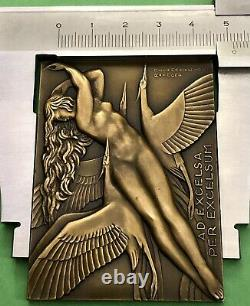 Medaille Plaque Femme Nue Art Deco Nouveau Delamarre Non Atribue Aviation