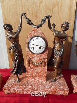 Pendule Aux Femmes Et Ses Cassolettes Epoque Art Nouveau, Regule Et Marbre
