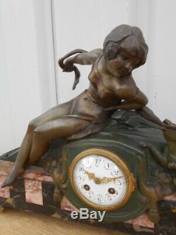 Pendule Femme A La Panthere Epoque Art Nouveau En Regule Et Marbre