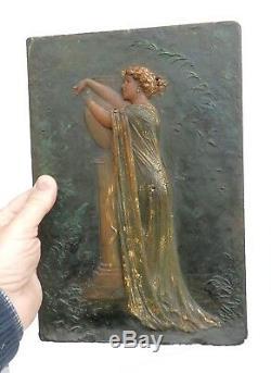 Portrait de femme en Camée, Cire Polychrome, Signé Raffet, 1913, art Nouveau