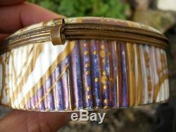 Rare boite 1900 art nouveau décor femme coquelicots et or, Signature à identifier