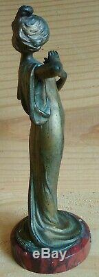 Sculpture Art Nouveau Jeune Femme à la fleur Edelweiss en bronze par Alliot 15cm