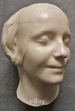 Sculpture Tête de femme assoupie Art Nouveau plâtre d'Atelier A. Finot Nancy