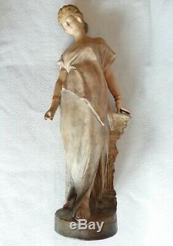 Statue GOLDSCHEIDER terre cuite Femme Art-Nouveau 1900 / 1920 signé GAMBEAUCHE