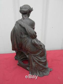 Statuette Femme Assise Epoque Art Nouveau En Regule