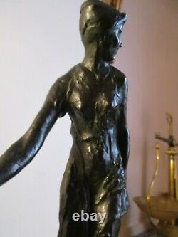 Sujet en bronze signé Bohumil Kafka. Jeune femme à l'écharpe. AA. Hébrard fondeur