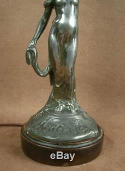 Superbe Paire De Lampes En Metal Epoque Art Nouveau Femmes Hortensia