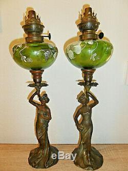 Superbe paire LAMPES A PETROLE FEMMES ART NOUVEAU réservoirs émaillés pendant