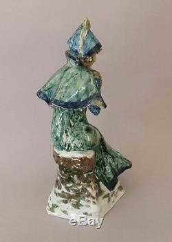Van Den Streaten et Aloys femme au manchon. French art nouveau ceramic