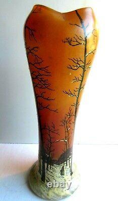 Vase Art Nouveau Déco émaillé Legras Paysage de neige, arbres et femme marchant